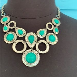 Necklace J811 Faux Turquoise Hammered Silver